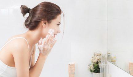 Top 5 các loại sữa rửa mặt có độ pH thấp chuẩn không cần chỉnh