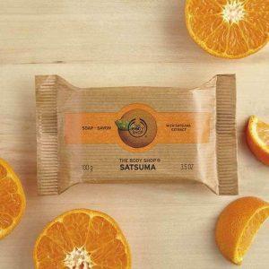 Luôn thoải mái với xà phòng tắm hương cam The Body Shop Satsuma Soap